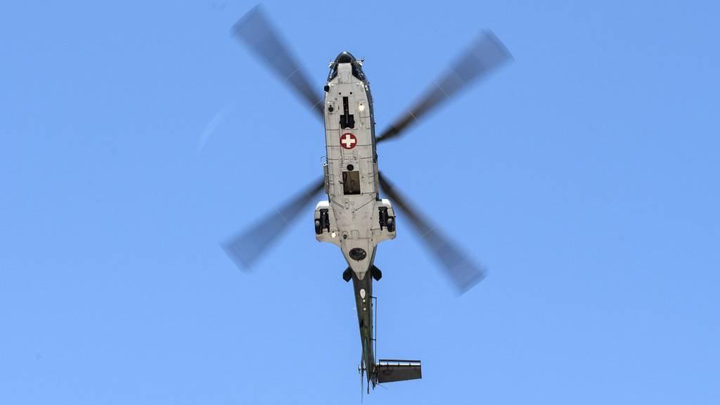 Bei der Suche war auch ein Helikopter der Schweizer Luftwaffe beteiligt. (Symbolbild)