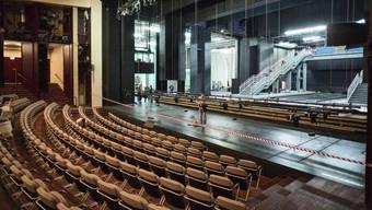 Bleiben vorübergehend leer: Die Stühle im Theater Basel.