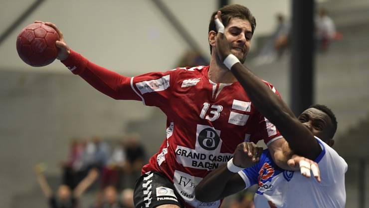 TVE-Captain Christian Riechsteiner (l.) und seine Teamkollegen haben beim 39:39 gegen den RTV Basel offensives Selbstvertrauen getankt.