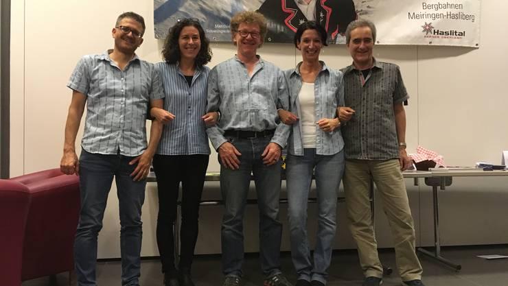 Vorstand mit den beiden Abtretenden ganz links: Elias Stutz, Katja Cevallos, Dani Meier, Yvonne Weber-Lehner, Angelo Atazzi