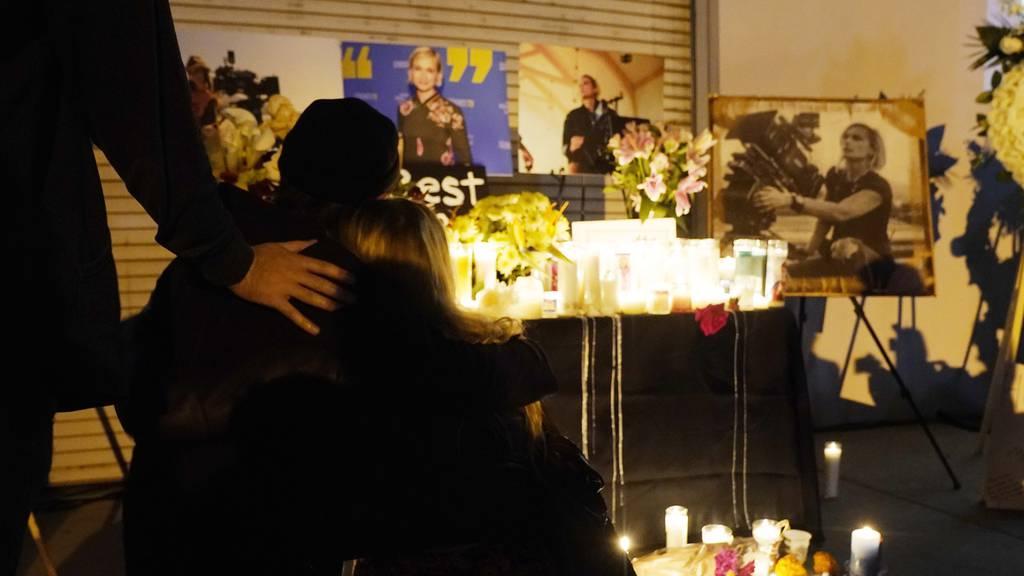 Durchsuchungsbericht zeigt: Tödliche Filmwaffe enthielt Patrone