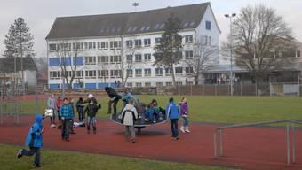 Das grosszügige Schulareal in Lupfig.  Walter Schwager