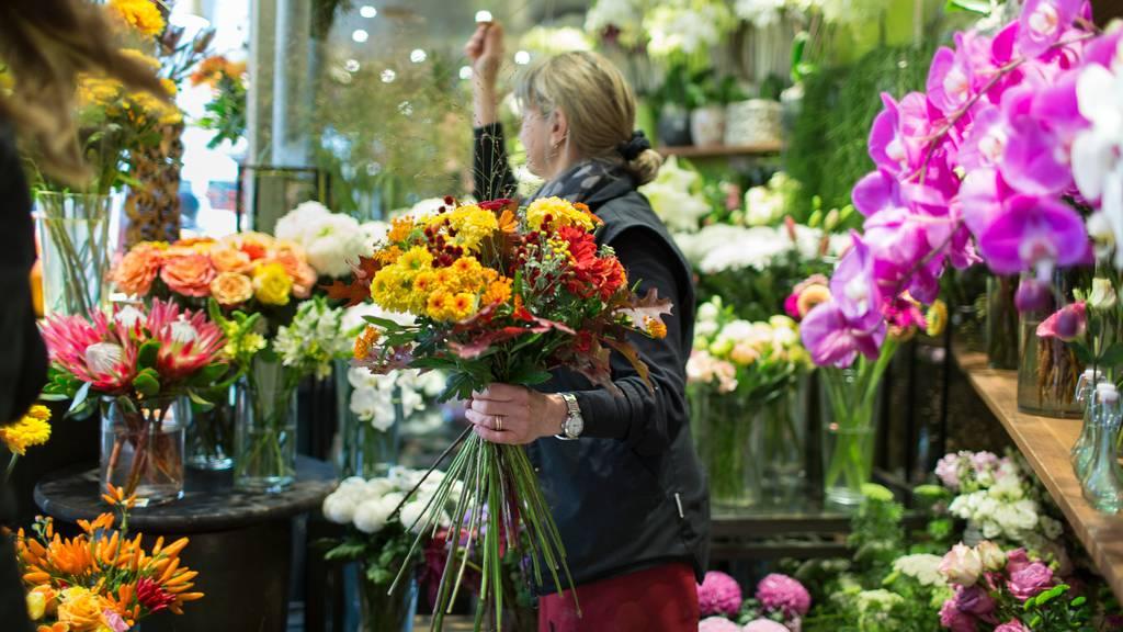 Auf Google nimmt der Blumen-Trend ab, in den Geschäften läuft's