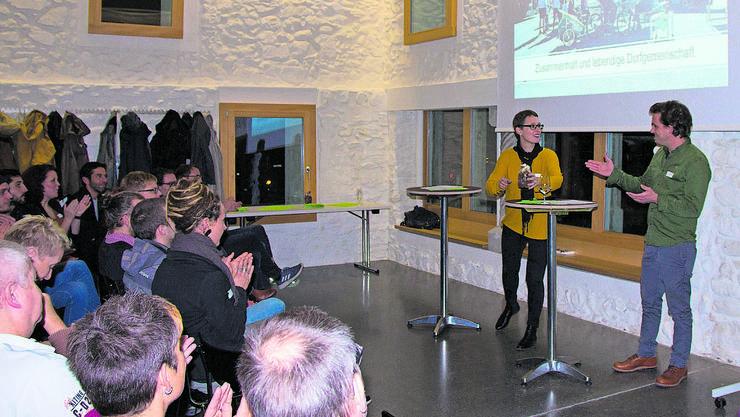 Katharina Stäger und Lukas Vogt ermutigen zur Gemeinwesenarbeit.