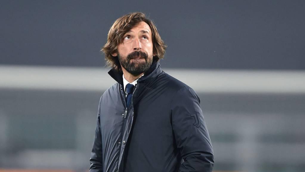 Kommt noch Hilfe von oben? Trainer Andrea Pirlo steht in Turin mehr denn je unter Druck