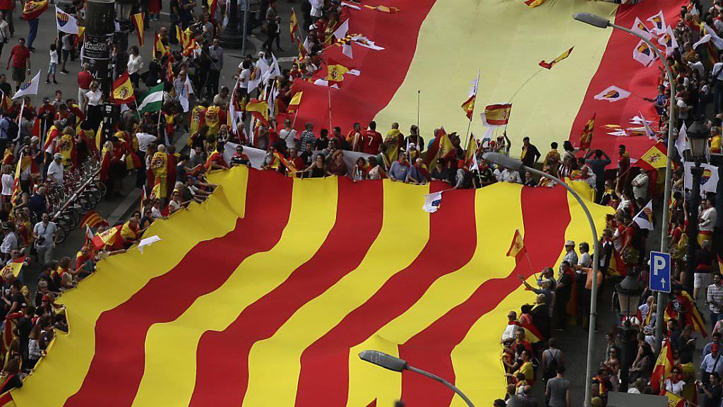 Gemeinsamer Weg oder Spaltung: Die spanische Regierung in Madrid wird von der Regionalregierung in Katalonien nur eine klare Antwort akzeptieren.