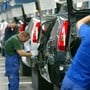 Die deutsche Industrie erwartet laut dem Dachverband BDI wegen der Coronakrise eine starke globale Rezession. Darunter leidet nicht zuletzt die deutsche Autoproduktion. (Archivbild)