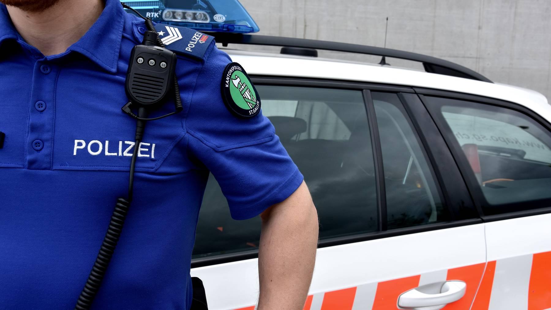 Die Polizei sucht nach Zeugen. (Symbolbild)