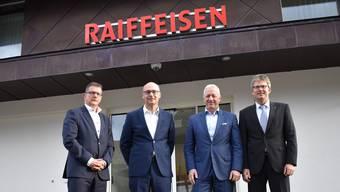 Urs Obrist, Stefan à Porta, Erwin Schwarb, und Marc Jäger (v.l.) möchten ihre Banken gemeinsam in die Zukunft führen. nbo