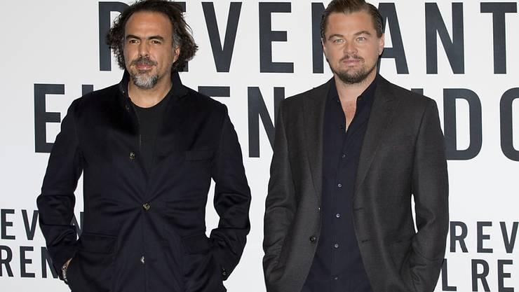 """Regisseur Alejandro Gonzalez Inarritu (l) und Hauptdarsteller Leonardo DiCaprio brauchen keinen Oscar um zu wissen, dass """"The Revenant"""" ein guter Film ist."""