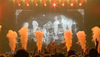Am Samstag gab es Krokus ein letztes Mal live zu sehen. Im Hallenstadion nahm die erfolgreichste Schweizer Rockband Abschied von ihren Fans. Die Musiker um das Aushängeschild Chris von Rohr blicken auf mehr als vier Jahrzehnte im Musik-Business zurück.