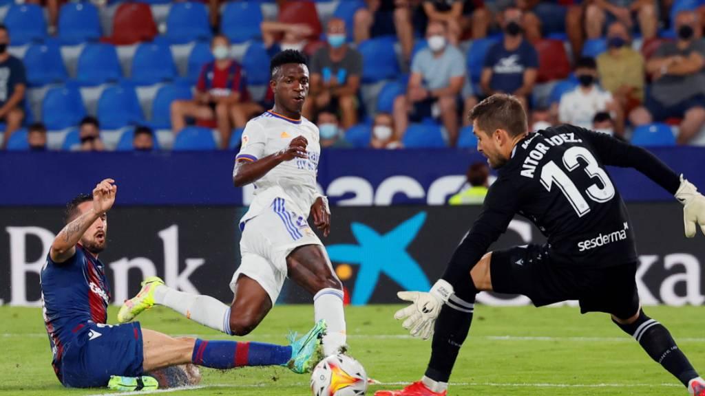 Doppeltorschütze Vinicius Junior rettet Real einen Punkt - hier trifft der Brasilianer zum 2:2