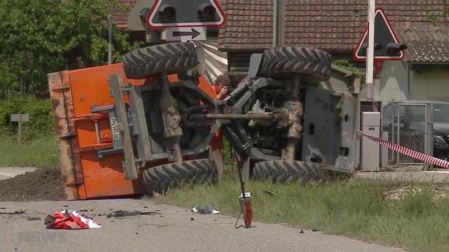 Baustellenfahrzeug kollidiert mit Auto in Niederbipp