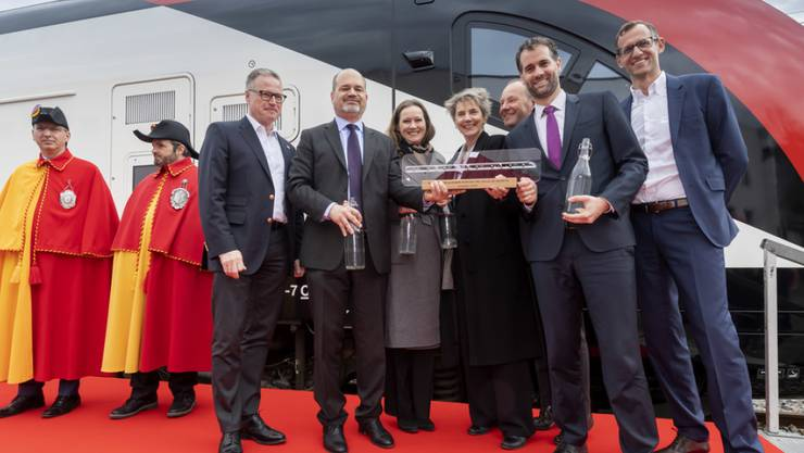 SBB-Chef Andreas Meyer (l.) mit Mitgliedern der Stadt- und Kantonsregierung von Genf.