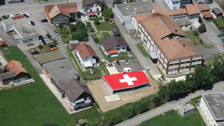 Das Schweizer Kreuz in Welschenrohr.