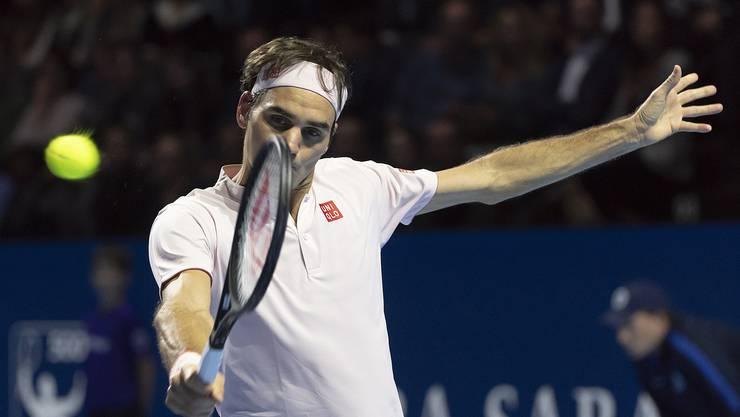 Roger Federer kämpfte an den Swiss Indoors immer wieder mit sich selbst. Weil er das ungefilterter auslebte, bekam das auch das Publikum sehr eng mit.