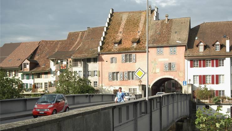 Wird erst in den Sportferien überprüft: Die Reussbrücke in Mellingen.