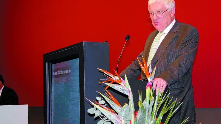 Fritz Kilchenmann:  Der Verwaltungsratspräsident referiert an der von 1302 Aktionären besuchten Generalversammlung. (Bild: uz)