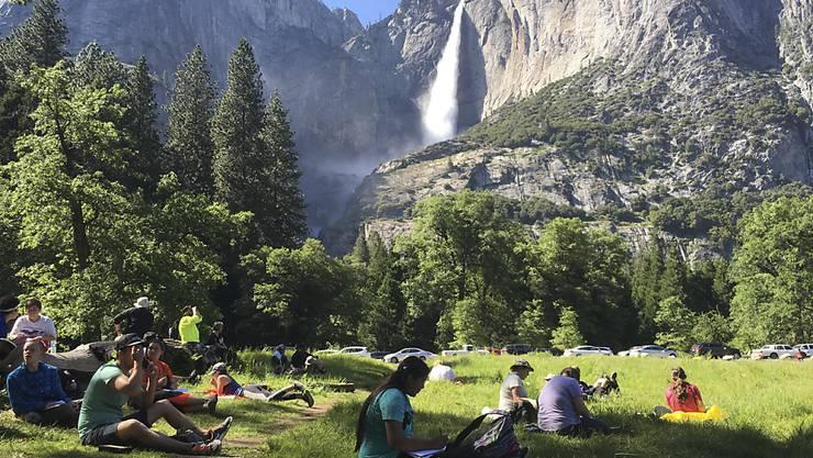 Die Touristen müssen draussen bleiben: Wegen eines drohenden Sturms sperren die Behörden den Yosemite-Nationalpark. (Archivbild)