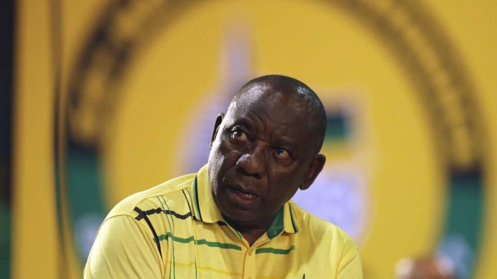 Die Delegierten der südafrikanischen Regierungspartei ANC haben Cyril Ramaphosa zum neuen Parteivorsitzenden gewählt.