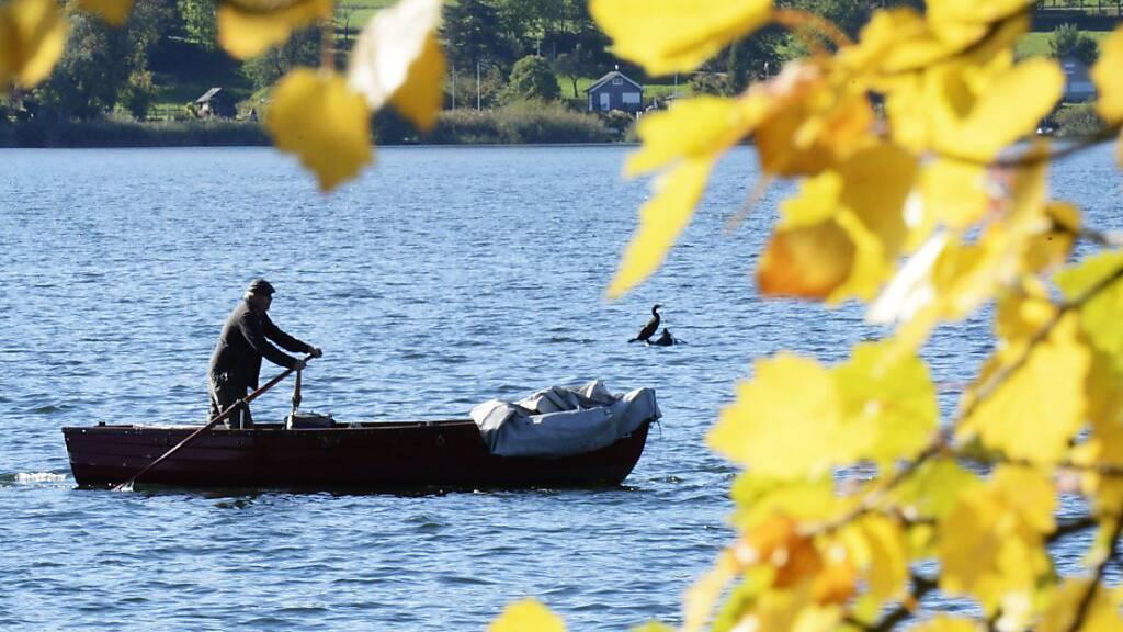 Im Thurgau sollen in Zukunft bereits Zehnjährige fischen dürfen. Die Regierung will das Mindestalter für die Fischereibewilligung senken (Symbolbild).