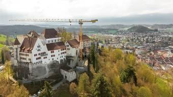Drohnenflug über das Schloss Lenzburg mit seinem neuen Begleiter.