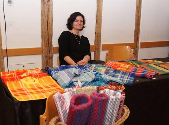 Frau mit Decken