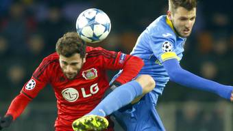 Admir Mehmedi (links) traf erneut in der Champions League für Bayer Leverkusen