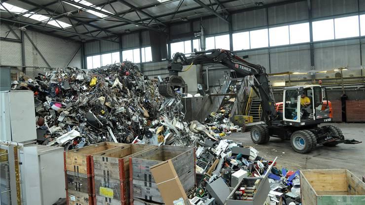 Stahl macht den grössten Anteil am Elektro-schrott aus. Deshalb wäre es für die Recyclingbranche eine Katastrophe, wenn Stahl Gerlafingen wegen steigender Strom-preise schliessen müsste, warnt Immark-Chefin Sabine Krattiger.