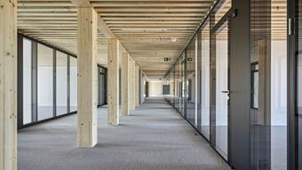 So könnte es einst auch im neuen Aarauer Polizeigebäude aussehen. Im Bild: die Räumlichkeiten im neuen Polizeigebäude in Granges-Paccout FR.