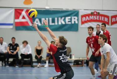 Auswärts in Luzern geben die Spieler alles für ihren Verein.