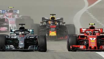 Hamilton muss am Start Räikkönen vorbei ziehen lassen