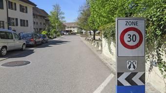 In Dornachs Quartieren soll es mehr 30er-Zonen geben.