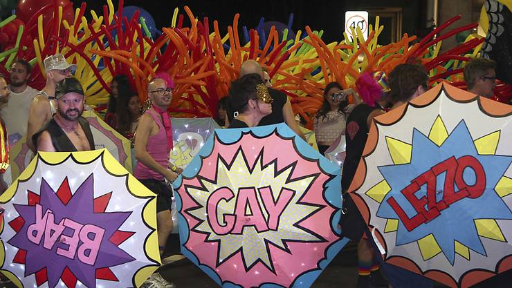 Buntes Treiben an der Mardi-Gras-Parade in Sydney