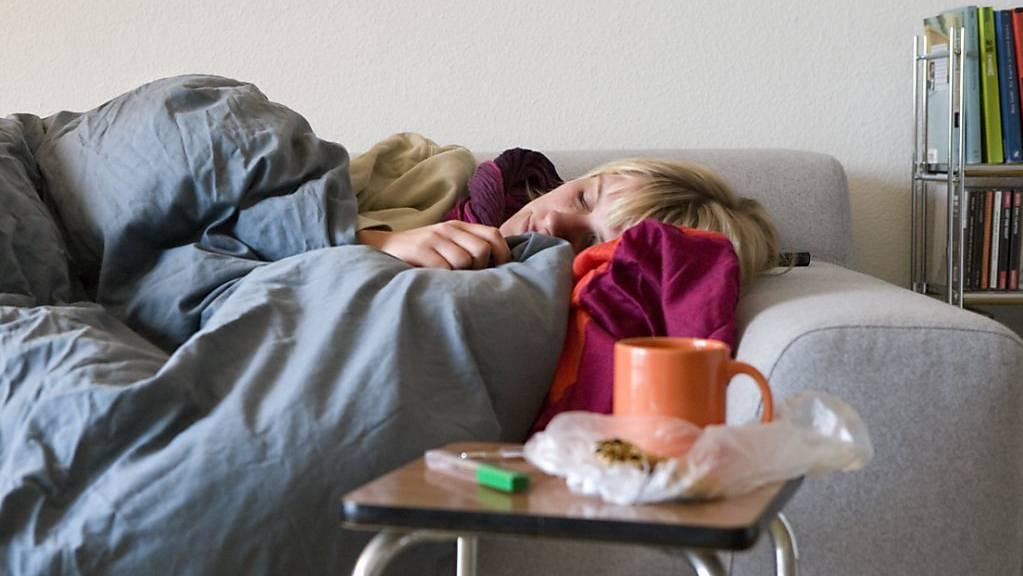 Schnupfen und Halsschmerzen. (Symbolbild)