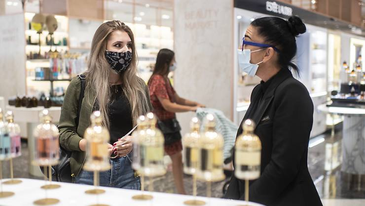 Seit Montag gilt die Maskenpflicht schweizweit. (Symbolbild)