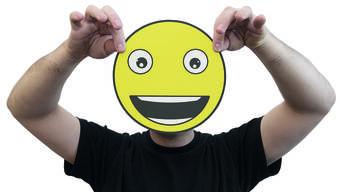Hören die Menschen auf ihrem Weg zum Glück bald auf den Rat einer App?