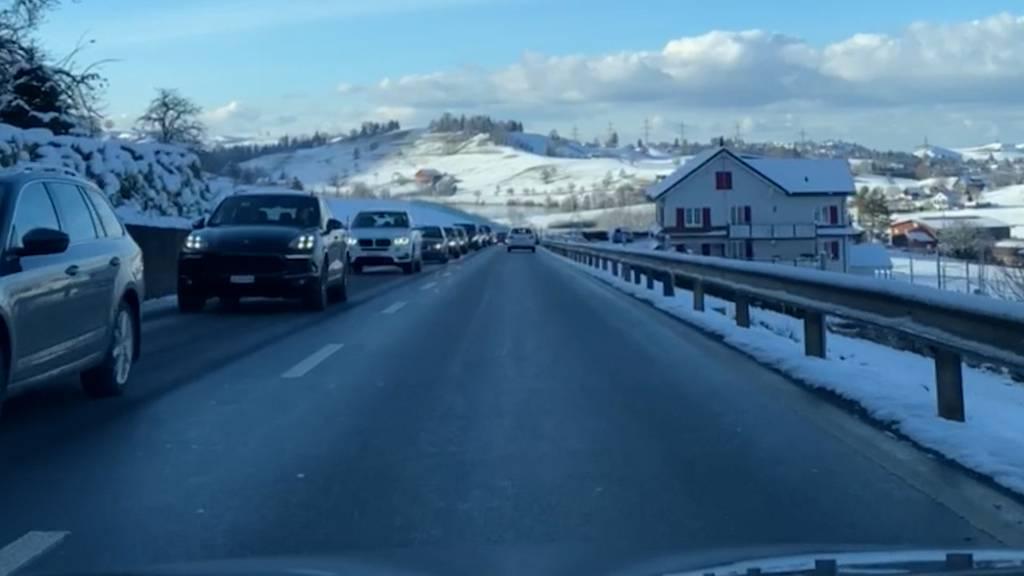 Die Zürcher ziehts trotz geschlossener Skigebiete in den Schnee