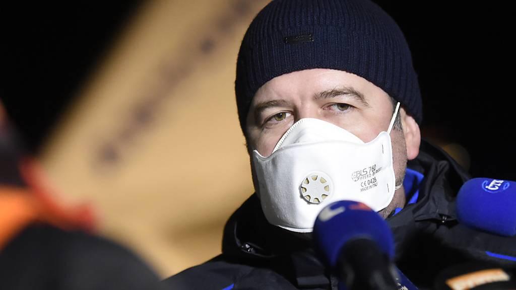 ARCHIV - Jan Hamacek, Innenminister von Tschechien, beantwortet Fragen von Journalisten. (Archivbild) Foto: Josef Vostárek/CTK/dpa