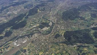 Blick auf das Limmattal: Die Limmattalbahn gilt als Schlüsselprojekt für die Entwicklung der Region. Archiv