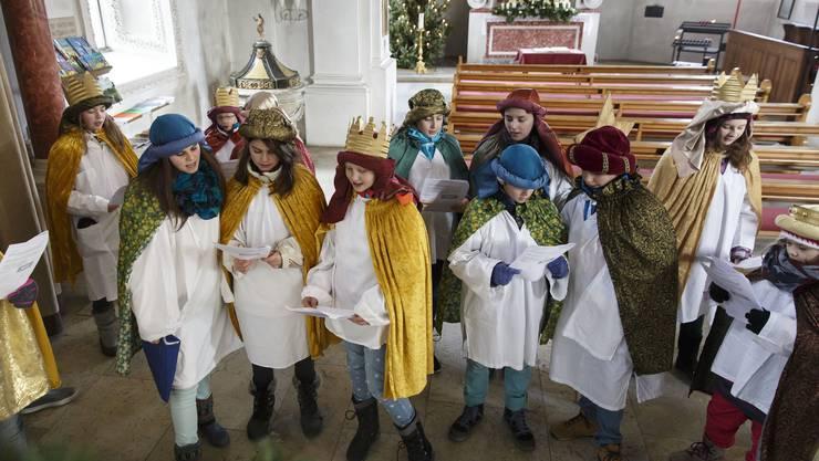 Die Lieder werden zuerst in der Kirche eingeübt