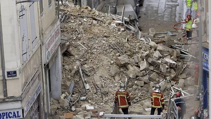 Aus den Trümmern der eingestürzten Häuser in Marseille sind bisher sechs Tote geborgen worden. (Archiv)