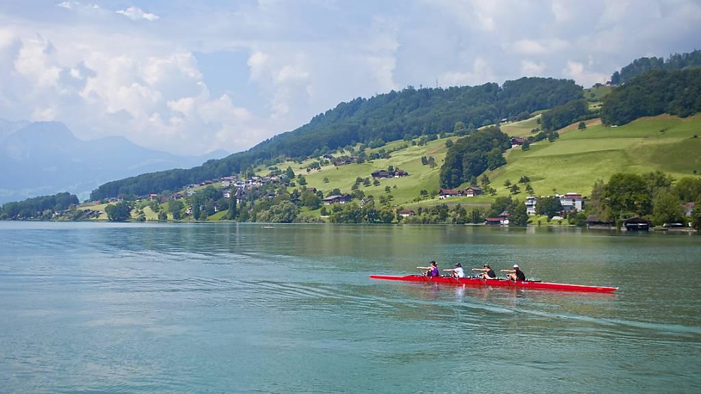 Ruderboot auf dem Sarnersee: Der Ruderverband erhält für sein Nationales Leistungszentrum in Sarnen künftig mehr Geld vom Kanton. (Archivbild)