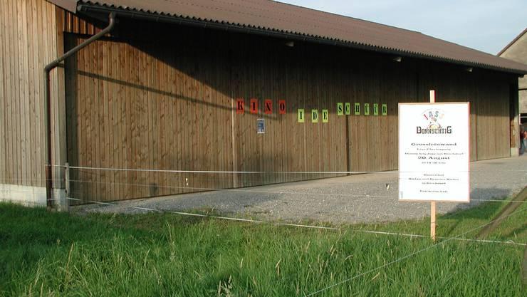 Veranstaltungsort: Die Scheune in Kirchdorf, in die der «Donnschtig-Jass» übertragen wird und in der Filme gezeigt werden. (Bild: zvg)