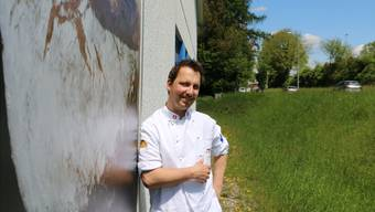 Gregor Maier ist Produktionsleiter der Bäckerei Maier in Laufenburg und könnte schon bald als bester Lehrmeister in seinem Beruf gekürt werden.Dennis Kalt