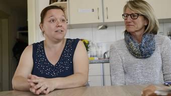 Nicole Zaugg (links) mit Lisa Ingold, ihrer Beraterin in lebenspraktischen Fragen.
