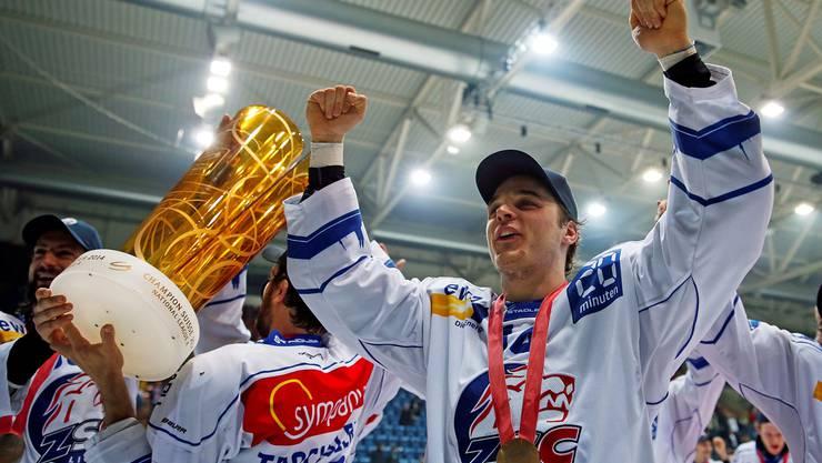 Das Highlight im letzten April: Chris Baltisberger darf sich mit den ZSC Lions als Meister feiern lassen.