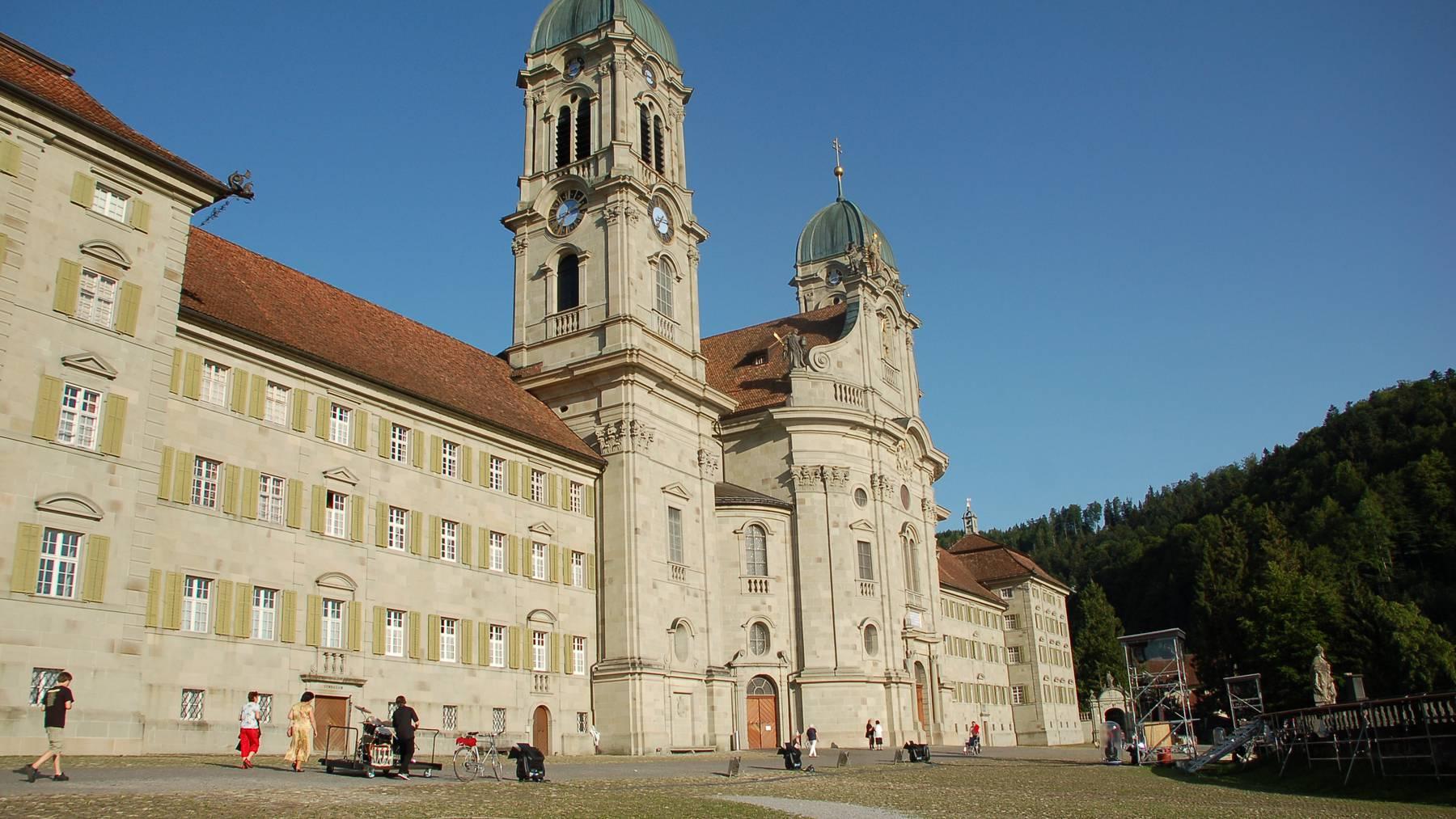Einsiedeln sagt Ja zur Klosterplatzsanierung
