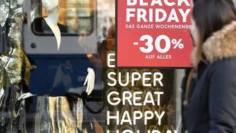 Schnäppchenjagd: Deutsche Detailhändler erwarten an Black Friday und Cyber Monday einen Umsatz von 2,4 Milliarden Euro. (Archiv)