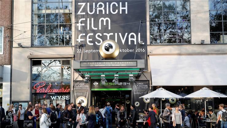 Hollywood in Zürich: Das Kino Corso mit vier Sälen beim Sechseläutenplatz ist die Basis des Zurich Film Festival.